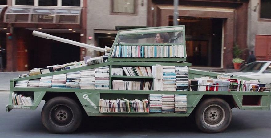 tanque-libros-gratis-arma-instruccion-masiva-raul-lemessoff-8